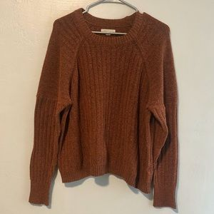 American Eagle crew neck soft sweater long sleeve